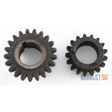 Pair of gears (MT804305, MT804303)